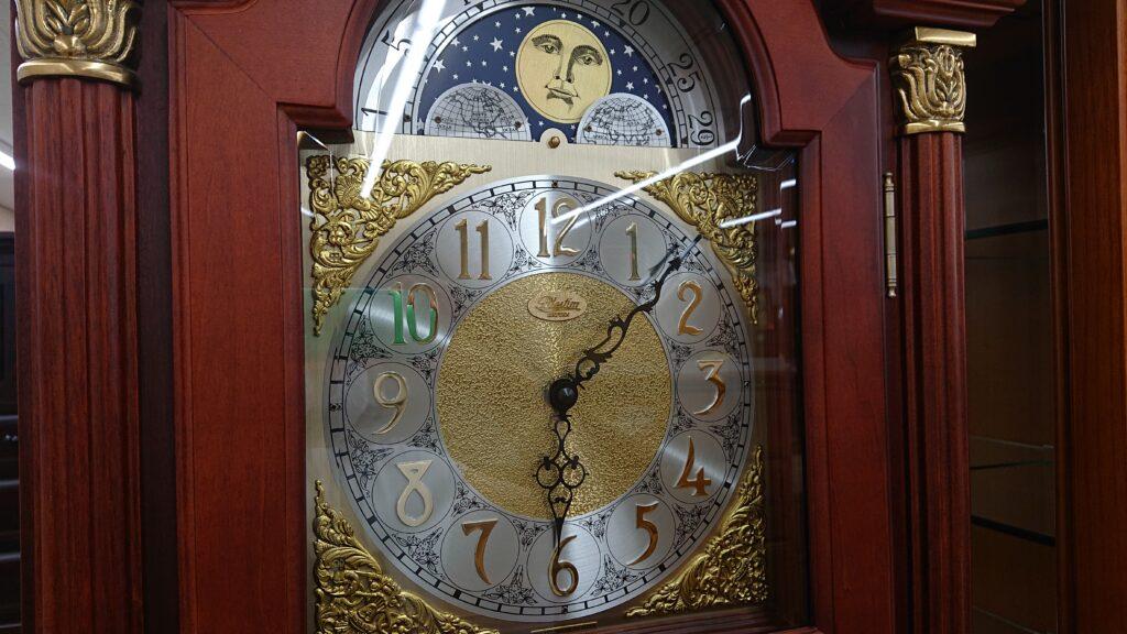 大きなのっぽの古くない時計